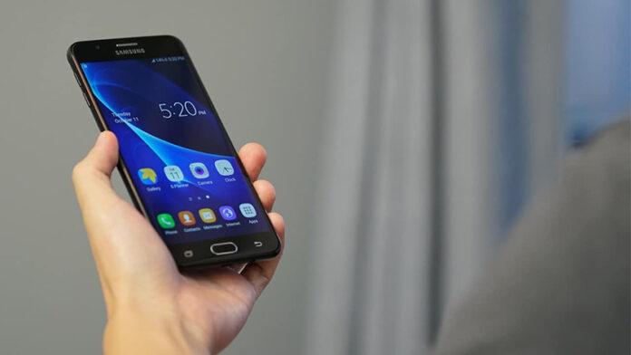 Thay pin Samsung J7 Prime giá bao nhiêu? Bảng giá chính hãng